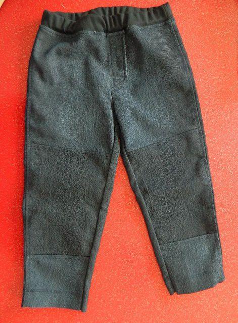 le pantalon Jeff avec sa fausse braguette et ses différents empiècements sur le devant ...