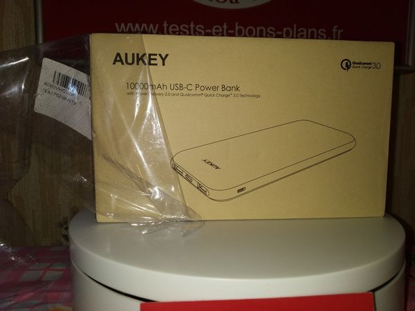 unboxing de la batterie externe 10.000 mAh Aukey PB-Y13 avec Power Delivery 18 Watts et QuickCharge 3.0 @ Tests et Bons Plans