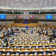 Quand le Parlement européen manipule l'Histoire, par Olivier Berruyer