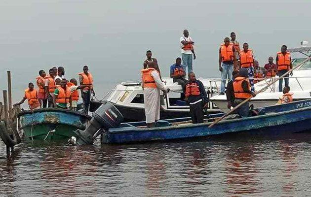 Une femme enceinte décède et 16 autres disparus alors que le bateau chavire à Lagos