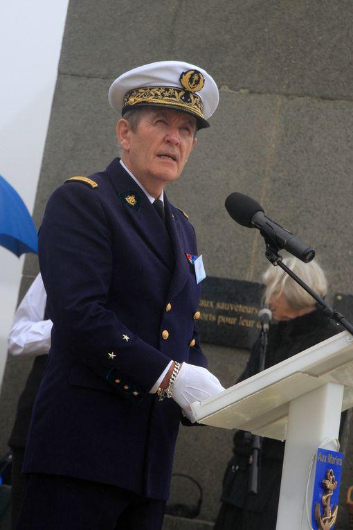 21 septembre 2013-cérémonie en hommage aux sous-mariniers morts pour la France présidée par l'Amiral Rogel, Chef d'Etat-Major de la marine. Photographies : Nicole Agéa, Céline Enthime, Raymonde Rupin, Jean-Jacques Tréguer