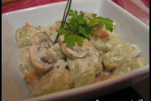 gnocchi persillé aux champignons &saumon fumé sauce gorgonzola
