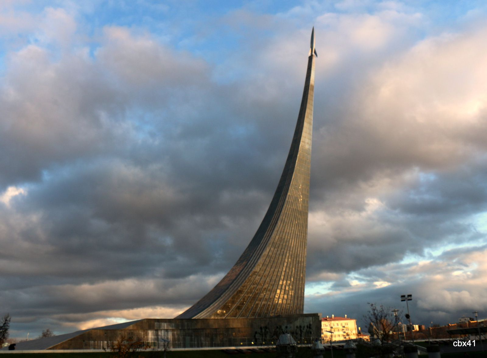 Constantin Edouardovitch Tsiolkovski , Monument des Conquérants de l'Espace (Moscou)