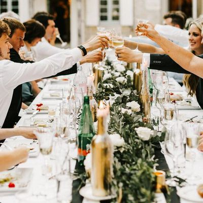What You Can (and Can't!) Discuss with Someone Who Isn't Invited to Your Wedding