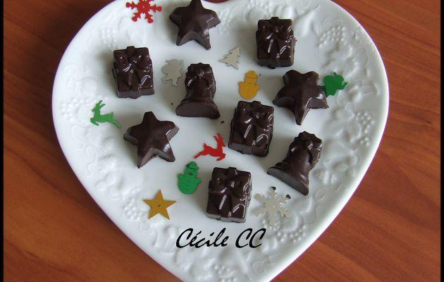 Chocolats noir fourrés confiture biscuitée.....