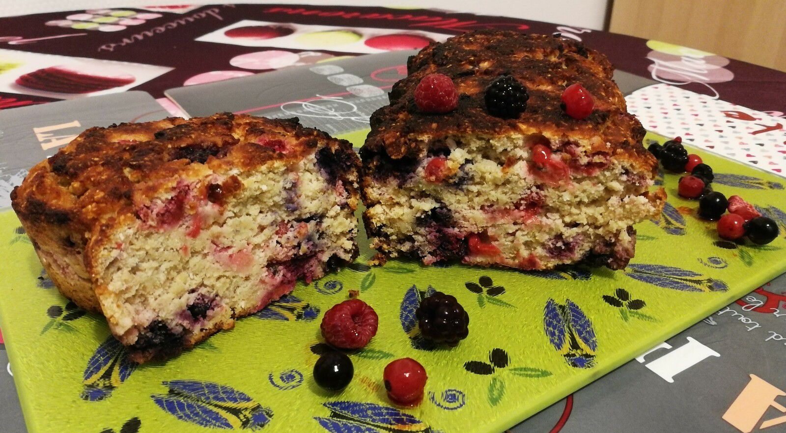 Cake coco, avoine & fruits rouges