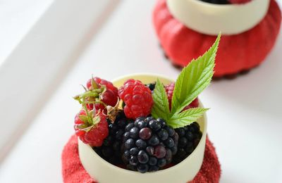 Entremets individuels aux fruits rouges