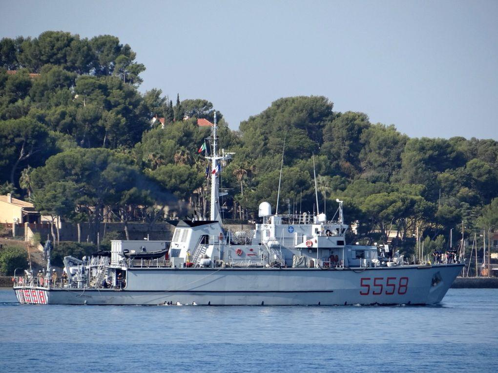 CROTONE  5558 , dragueur de mines de la marine italienne  arrivant a Toulon le 27 septembre 2017