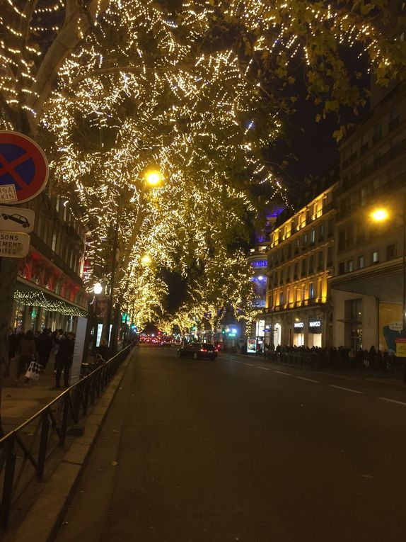 Les illuminations et vitrines des grands boulevards