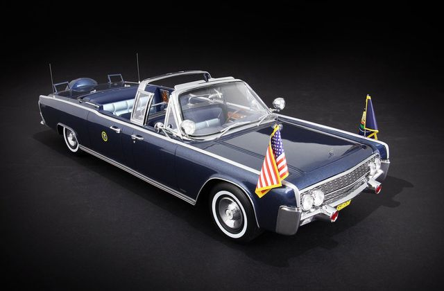1/18 : La Lincoln Continental de Kennedy de CMF