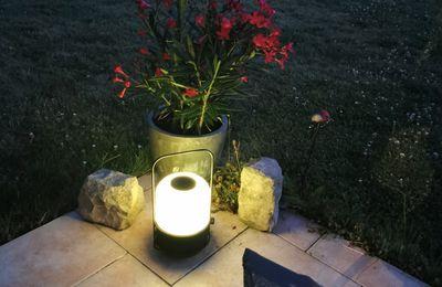 Une ambiance lumineuse musicale et olfactive en terrasse !
