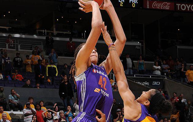 """WNBA - Playoffs: Brittney Griner met les Sparks à terre, tandis que Atlanta stoppe le """"dream"""" de Washington"""