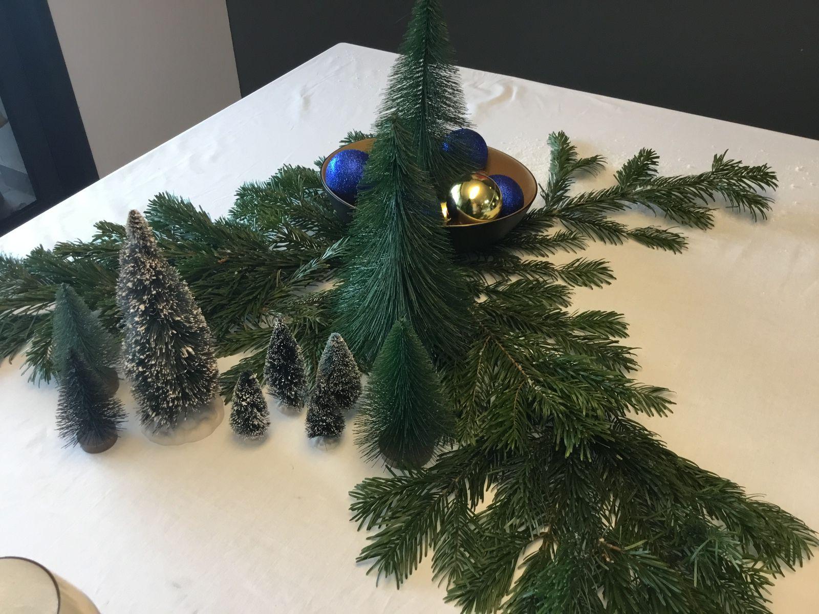 Faire une belle table de Noël en bleu