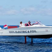 The Swedish Candela C-7, the first flying electric boat, wins the race - Yachting Art Magazine