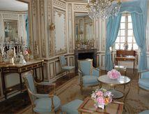 pour Marie Antoinette,reconstitution d'apres plans et photos de quelques interieurs du chateau de Versaille dans le chateau de Millemont;plus de 200 moulages avec les tirages en staff ou resine