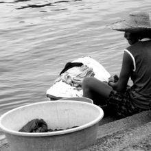 Jóvenes en el Pacífico colombiano, vivir entre las armas y las multinacionales