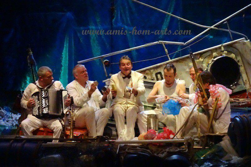 ZIC ZAZOU...DES COMEDIENS, MUSICIENS...AVEC BIEN D'AUTRES TALENTS...