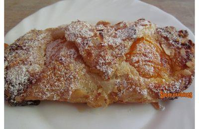 Feuilletés aux abricots et à la crème d'amandes - Recette en vidéo