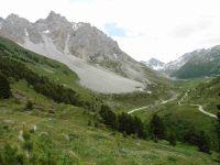 La Pointe Emilienne. Une vue sur l'ensemble du vallon du Fruit. Le tracé GPS de la randonnée.