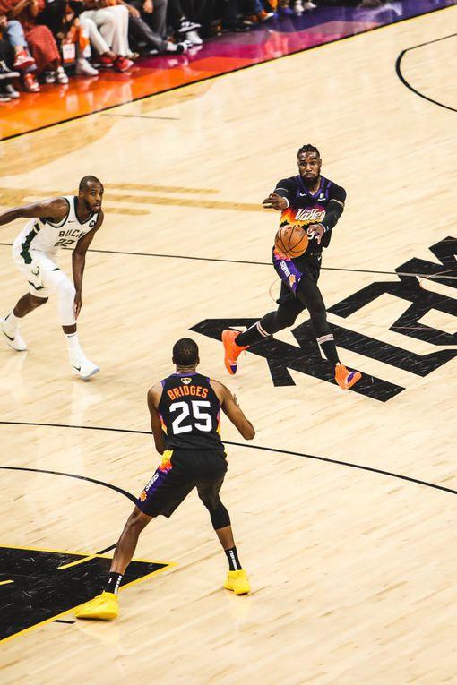 Les Suns de Phoenix résistent à un excellent Giannis Antetokounmpo et doublent la mise (2-0) face aux Bucks