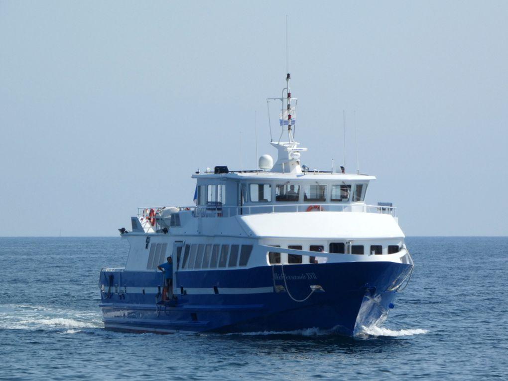 MEDITERRANEE  XVII , arrivant et à quai dans le port de Hyères  (83) le 17 septembre 2020