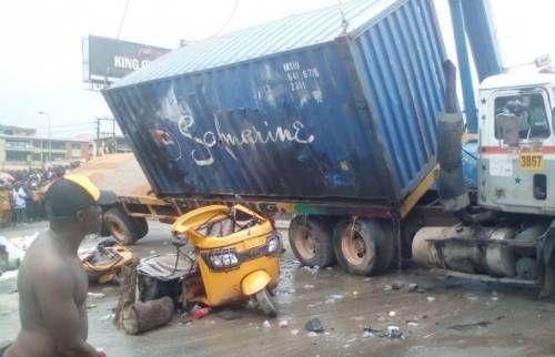 NIGERIA  : Un camion écrase une femme nouvellement mariée et trois autres à mort à Kaduna