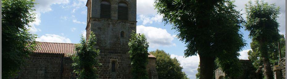 Eglise et croix à St Privat d'Allier