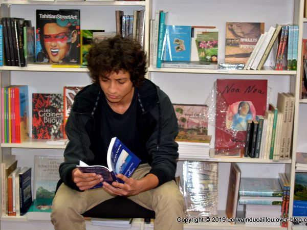 Causerie de Julien Ali pour évoquer son dernier roman Tout Ce Qui Flotte.