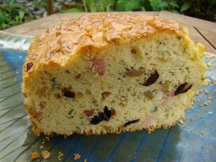 CAKE AUX DEUX OLIVES