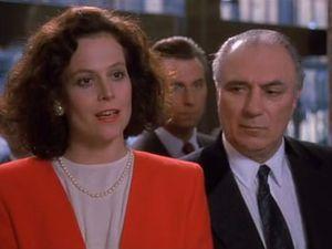 """""""Tess, this is business. Let's just bury the hatchet ok ?"""" Katharine propose réellement à Tess de faire la paix mais Tess n'est pas en mesure de réaliser que c'est une réelle marque d'affection parce qu'elle ne connait rien au monde des affaires."""