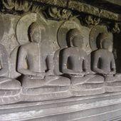 Inde - Ellora grotte bouddhiste n°11 - LANKAART