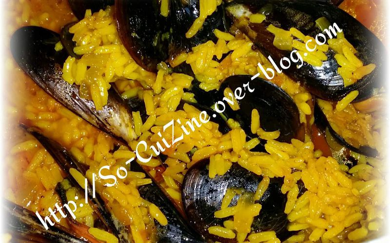 Moules au riz safrané épicé