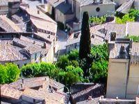 Captures d'écran. Le Tour de France a ce mérite- en dehors de toute considération sportive-de nous faire découvrir notre si beau pays! Attentive à revoir des régions, villes ou paysages aimés..Géographie à ciel ouvert!