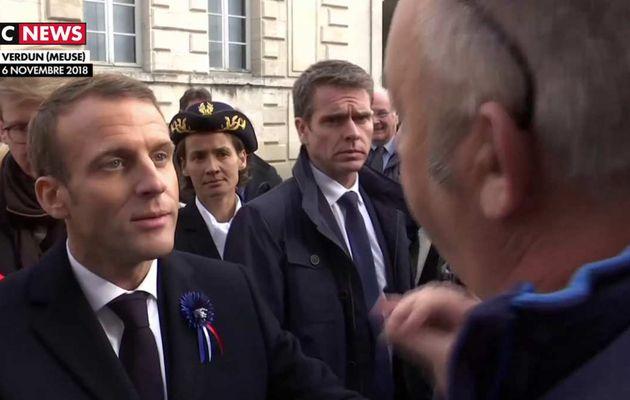 Gilets jaunes : Le silence d'Emmanuel Macron pose question
