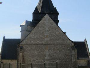 Vues sur l'église Saint-Martin en aout 2020 (photographies d'Armand Launay).