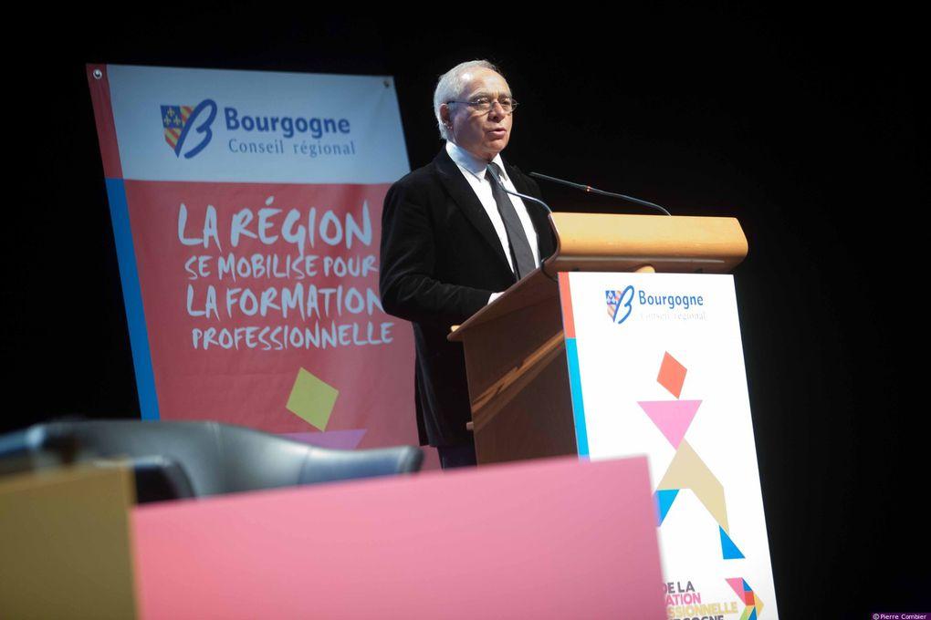 Les assises de la formation : les acteurs au rendez-vous ! Du 15 février au 15 mars 2012 s'est déroulé le Mois de la formation professionnelle en Bourgogne organisé par le conseil régional. Les assises de la formation, qui ont eu lieu jeudi 15