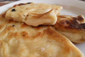 Cheese-naans (naans à la Vache qui Rit)
