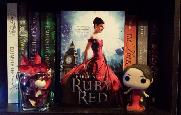 La trilogie des gemmes, tome 1 : Rouge Rubis