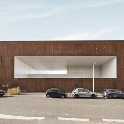 NANTERRE MINIMUM SECURITY PRISON COMPLETED BY LAN ARCHITECTURE