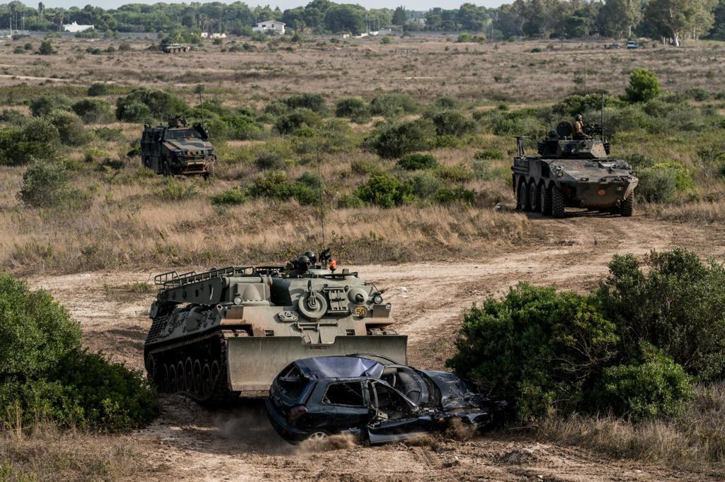 """Lecce:i militari della Brigata """"Pinerolo""""in addestramento per la SIO 2020 ricevono visita Capo di Stato Maggiore dell'Esercito"""