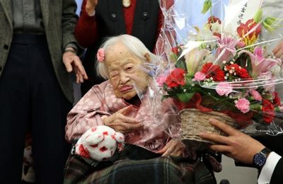 The world's oldest person, Misao Okawa of Japan, has died a few weeks after celebrating her 117th birthday