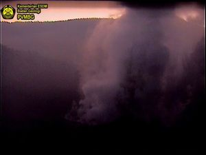 Tangkuban Parahu - respectively 02.08.19 at 18:07, and 03.08.19 at 8:57 - webcam PVMBG - one click to enlarge
