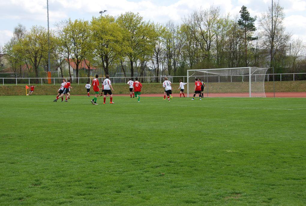 7 jeunes ablonais jouent au foot à Neubiberg