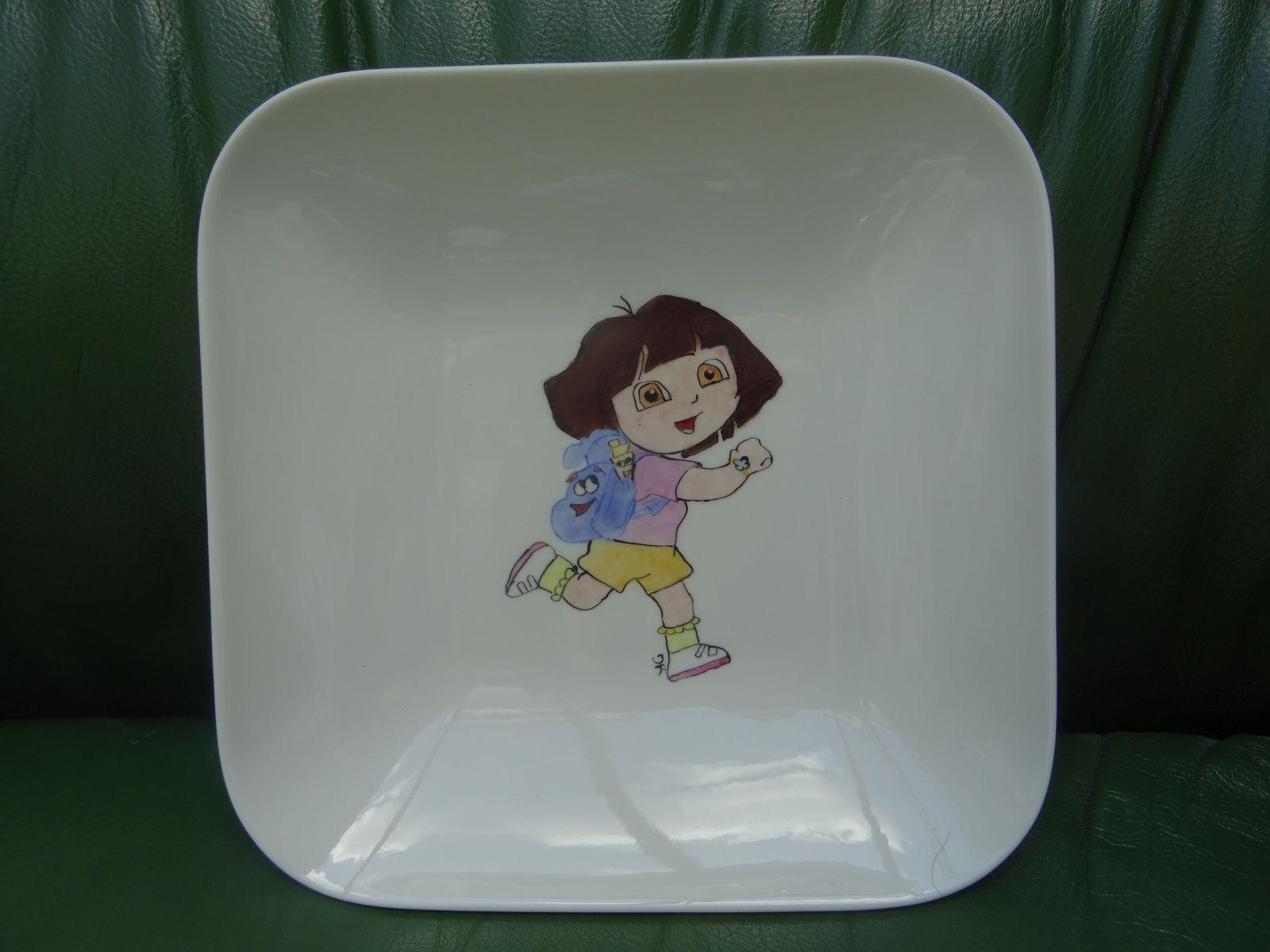 de nouvelles porcelaines (2 coupelles et 2 assiettes)