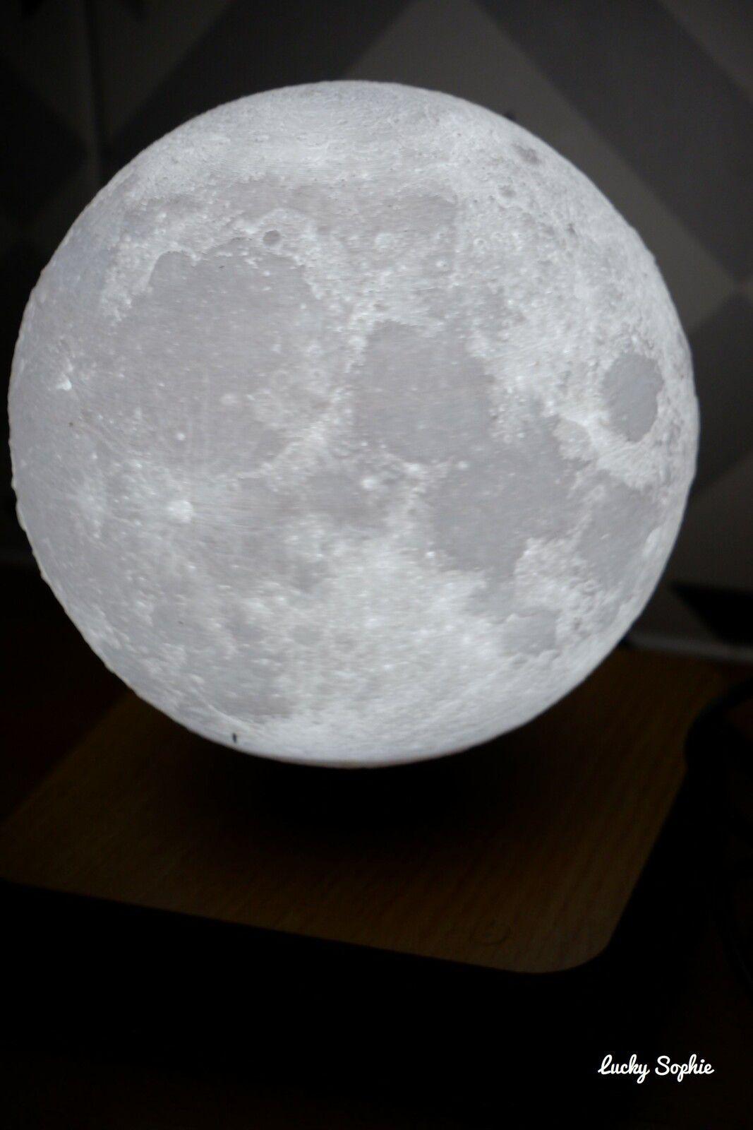 Une veilleuse lune qui imite la vraie !