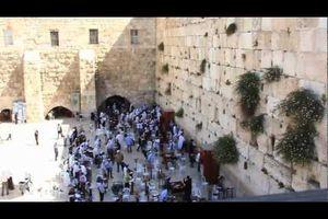 Vidéo : 45 ans plus tard, les soldats qui ont libéré Jérusalem retournent au Mont du temple