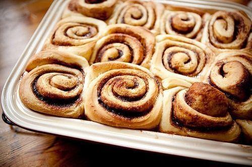 Cómo hacer rollitos de canela en menos de una hora. Receta de panadería