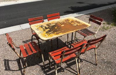 ENSEMBLE TABLE ET 6 CHAISES LATTES METAL BISTROT 1960