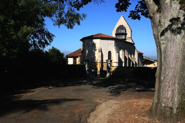 Diaporama des 2 églises fortifiées de Carcares Sainte Croix