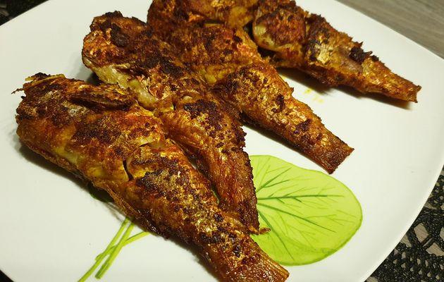 Poissons frits épicés